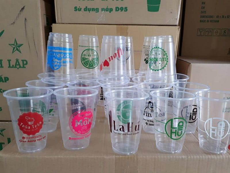 ly nhựa được làm từ nguyên liệu nhựa PP hoặc PET